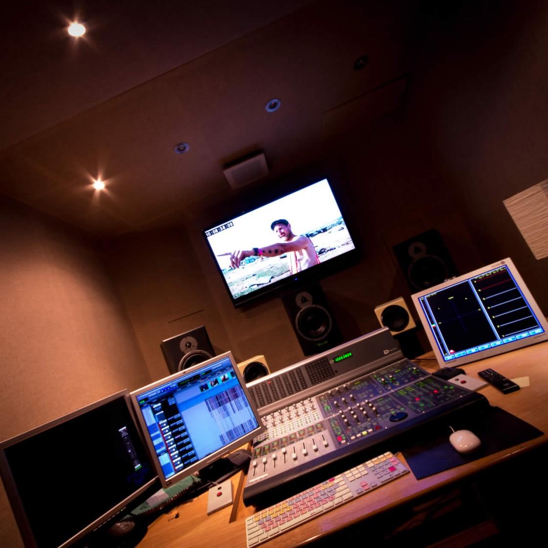 Studio_FOUR