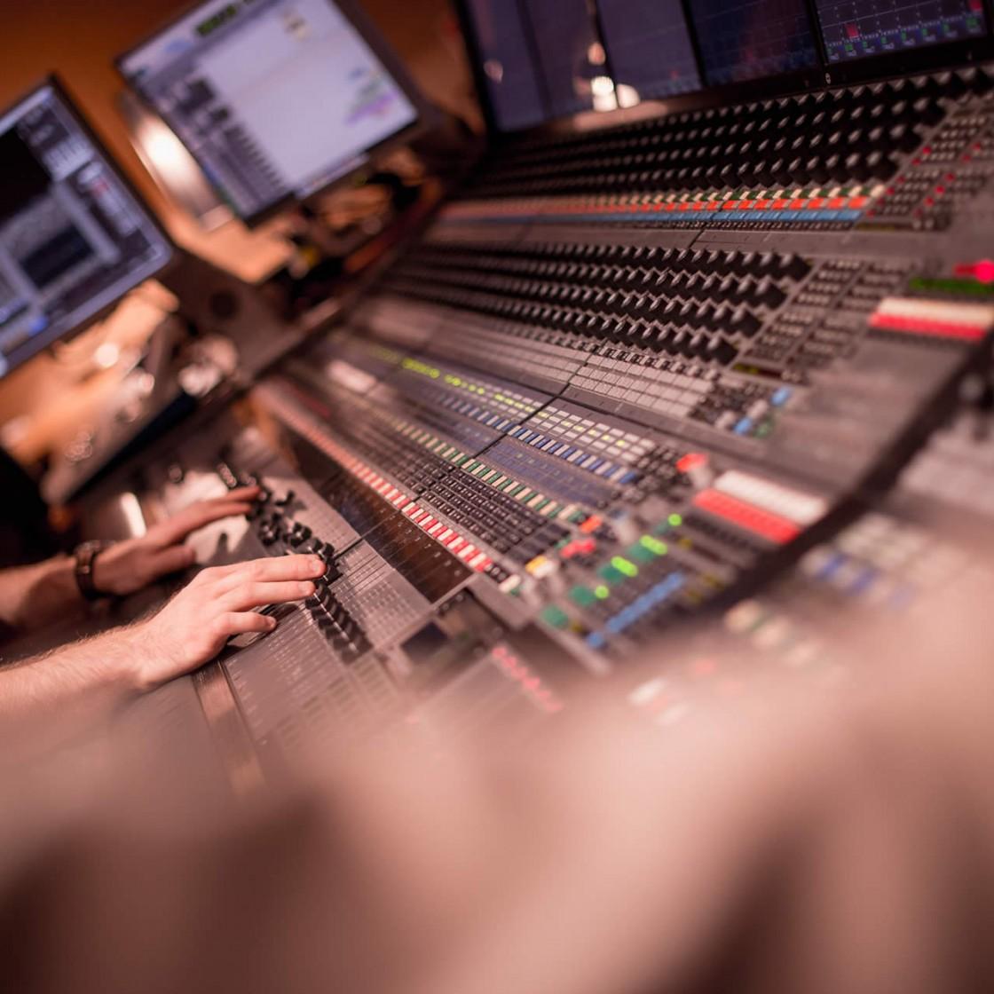 halo_studio_colour-34